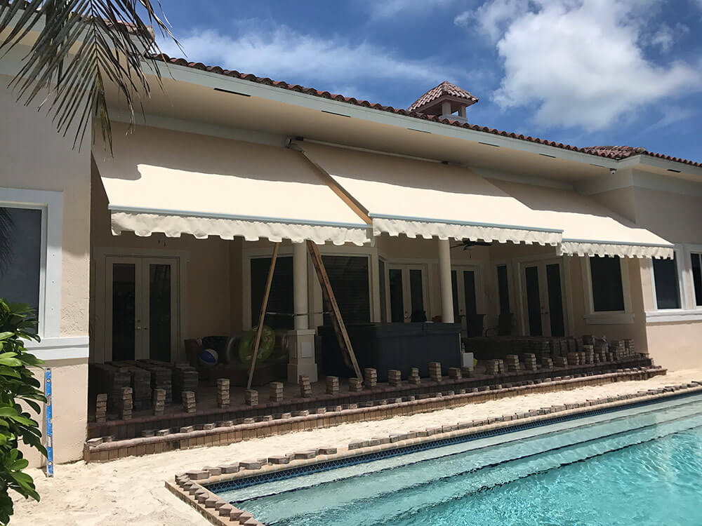 Retractable Awnings Miami, FL   B & G Awnings